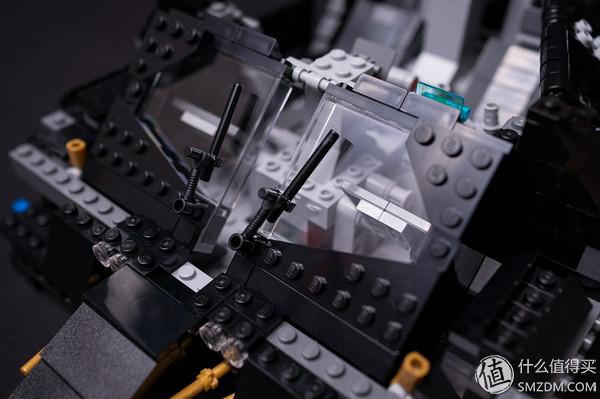一不小心落坑裡:LEGO 樂高 76023 Tumbler 蝙蝠車電影版開箱