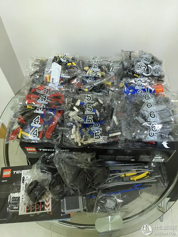 一共分6個包!其實,是25個袋子加獨立電池倉和說明書