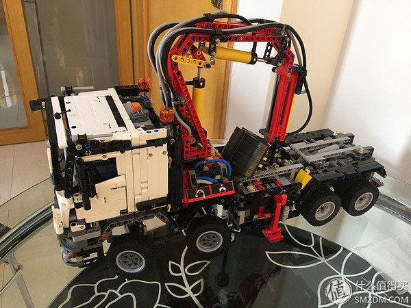 火速送達:德亞直郵 LEGO 樂高 科技系2015旗艦 42043 奔馳 Arocs 3245卡車