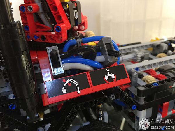 氣動部分的控制杆,左右布置,不同內容
