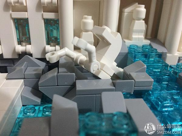 21020 Trevi Fountain